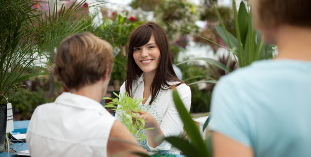 10 strategies for shopping at plant nurseries and garden centres