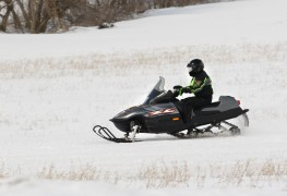 3 must-see destinations every snowmobiler should explore