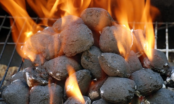 simple ways to smoke fish and light a charcoal barbecue | smart tips, Reel Combo