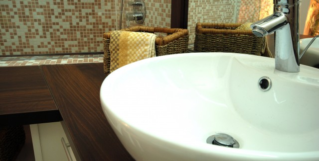 Simple tips to maximize a bathroom's storage space