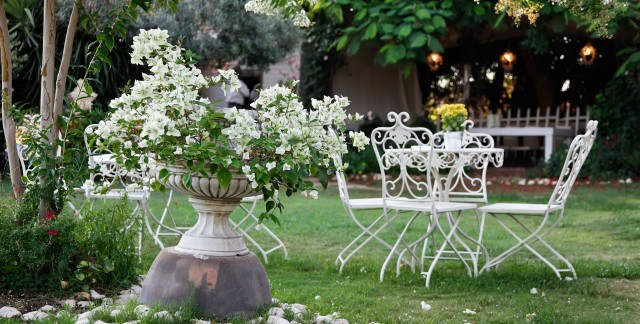 4 tips to keep patio furniture rust-free