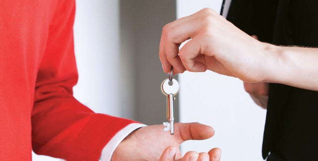 The difference between real estate agents and brokers