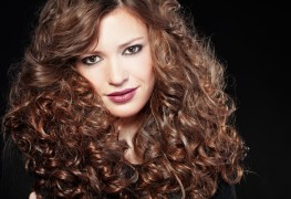 10 easy ways to stop frizz from sabotaging your curly hair