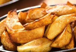 Recipe to beat high blood pressure: pan-roasted new potatoes with garlic