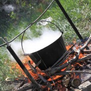 4 cookware tips for cooking on a wood fire