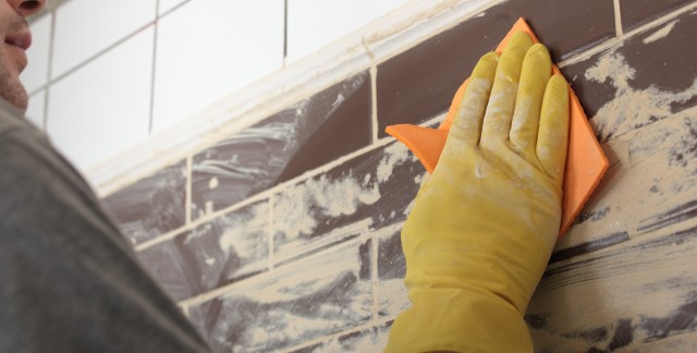 How to clean and fix tiles, caulk and grout