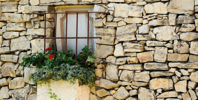 6 tips for building the stone house of your dreams