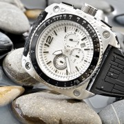 Men's top tips for finding a signature timepiece