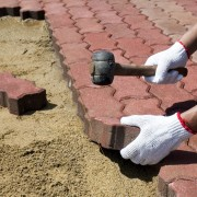 5 rules for paving with brick and pavers