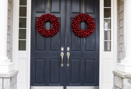 Make your own welcome wreaths for a beautiful, festive home