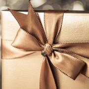 2 creative DIY gift wrapping bows