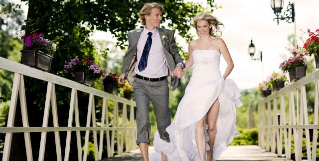 Yes, it's possible: get married for less than $5,000