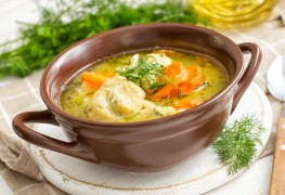 A healthy recipe for old-fashioned chicken noodle soup