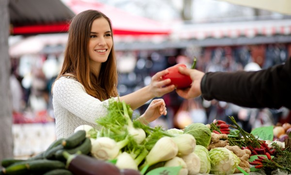 3 hints to help plan meals around supermarket sales
