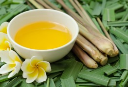4 natural remedies for acne-prone skin