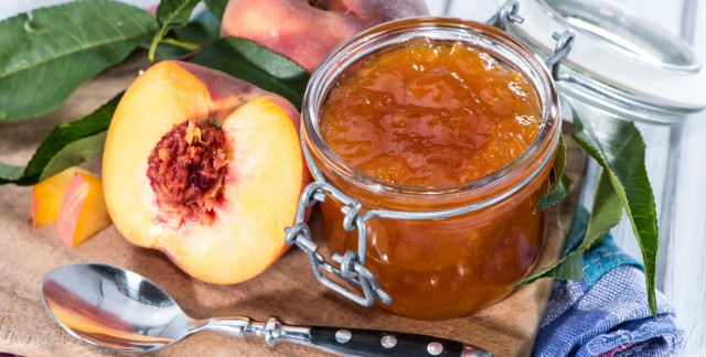 How to make an old-fashioned peach jam