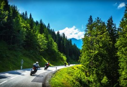 4 top motorcycle routes in Canada
