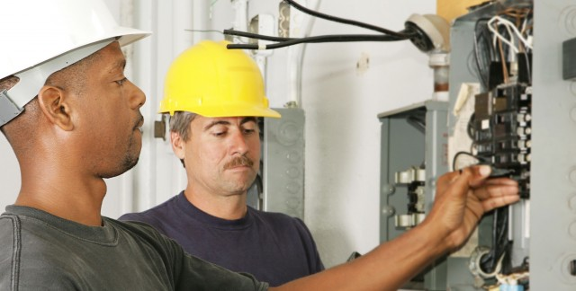 What to know before calling an electrician
