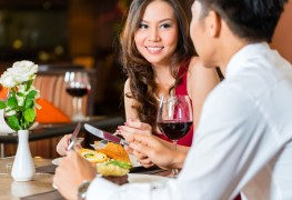 8 tricks to save on your restaurant bill