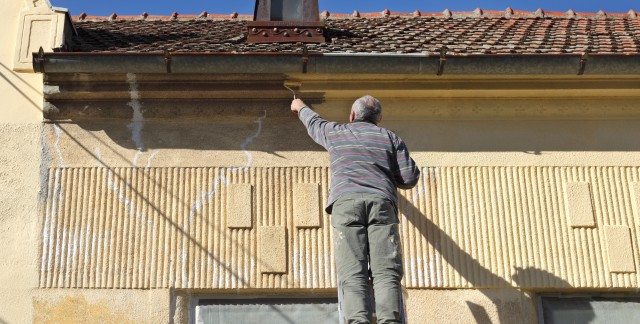 Handy tips for restoring walls and ceilings in old buildings