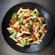 2 pasta dishes with vegetables