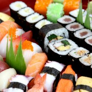 4 tips to avoid food poisoning when having sushi