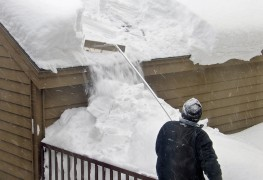How to get rid of too much snow on your roof