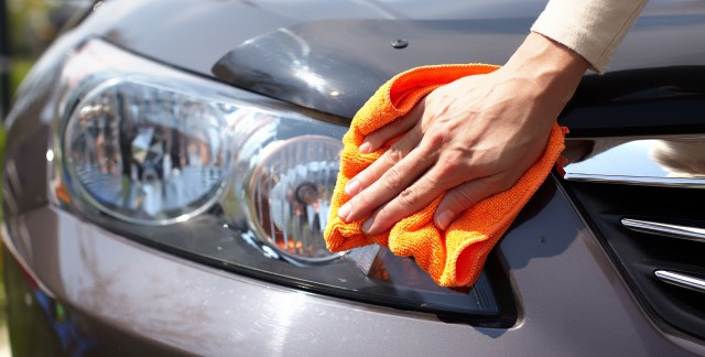 Handy tips to clean your car's exterior
