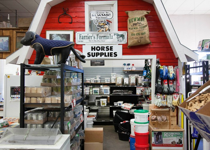 Newmac Animal Feeds. Dog food, cat food, pet supplies, horse feed and supplements, livestock feed, poultry feed, grains