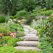3 ways to make a garden path with sand or mortar