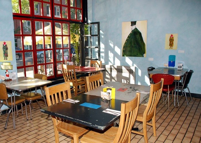 Blue Plate Diner: Lunch, dinner, brunch, daily specials, beer, wine, vegan, vegetarian, and gluten-free