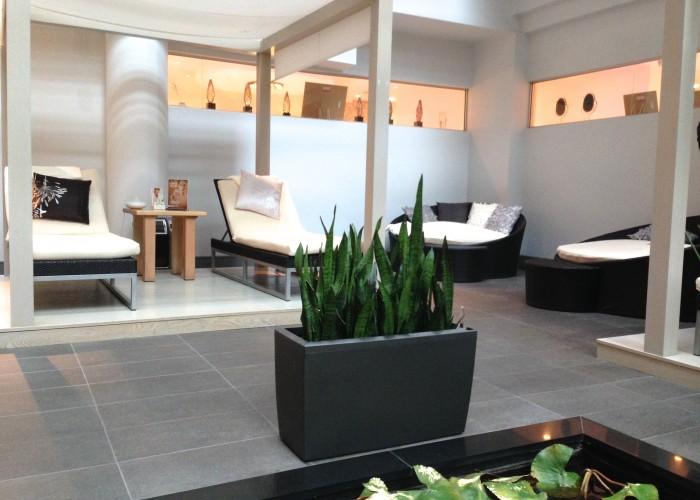 Dkny montr al montr al business story - Diva salon and spa ...