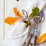 4 simple decorating tips for an attractive Thanksgiving table
