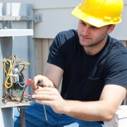 4 helpful tips for hiring a heating contractor