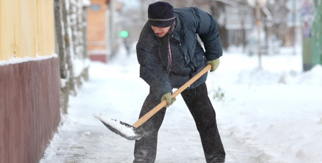 Avoid legal woes: why you must remove snow from your sidewalk