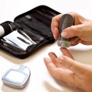 4 tips for choosing diabetes testing supplies