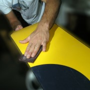 How to wax a snowboard in 7 easy steps