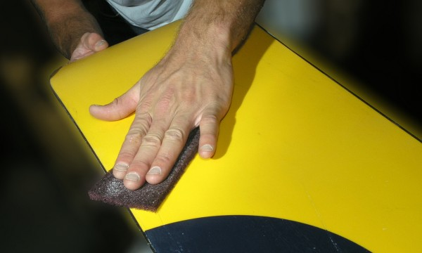 7 easy steps to wax a snowboard