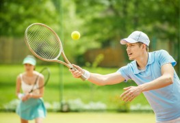 4 great holiday gifts for tennis aficionados