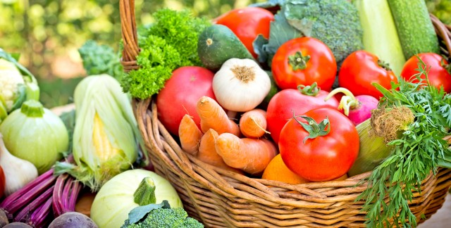 How to safely consume food that has been grown with pesticides