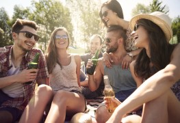 5 (almost) free fun things adults can do with friends
