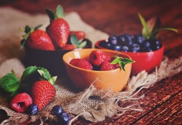 Super foods recipe: individual summer fruit cups