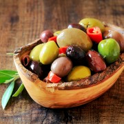 Try these creative marinated olive hors d'oeuvres