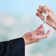 4 tips for picking the right home exchange agency