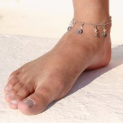 The perfect finishing touch: trendy ankle jewellery as an accessory