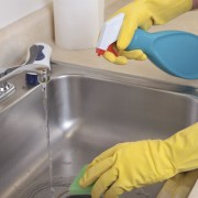 How to maintain a clean and safe kitchen