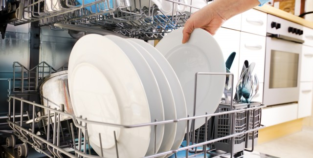 Tips to clean your dishwasher