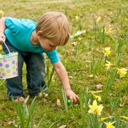 3 tips for planning the ultimate egg hunt for your kids this Easter