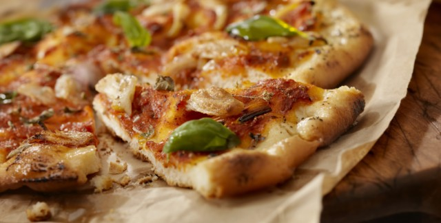 8 ways to enjoy chicken pizza