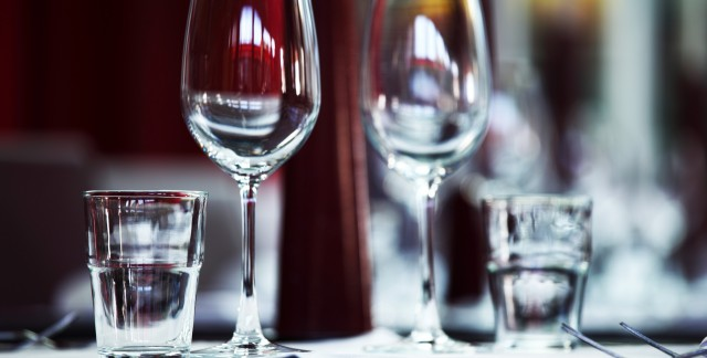 Caterer confidential: 3 tips for a classy, affordable wedding bar